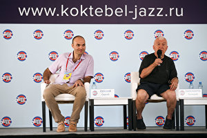 Musicians Sergey Golovnya and Valery Ponomarev at the news conference at the Koktebel Jazz Party 2017 international music festival.