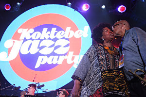 Eddie Henderson (USA) and singer Deborah Brown (USA), members of Yakov Okun's International Jazz Ensemble, during the All Stars KJP Jam with the participation of the big band lead by Sergei Golovin, at the 16th Koktebel Jazz Party international music festival