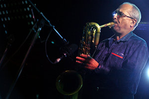Musician Gary Smulyan with Yakov Okun's jazz band at the 17th Koktebel Jazz Party international music festival