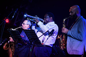 Musician Rodney Green (center) with Yakov Okun's jazz band at the 17th Koktebel Jazz Party international music festival
